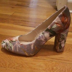 Nine West Shoes - Nine West Velvet Floral Pumps New 7